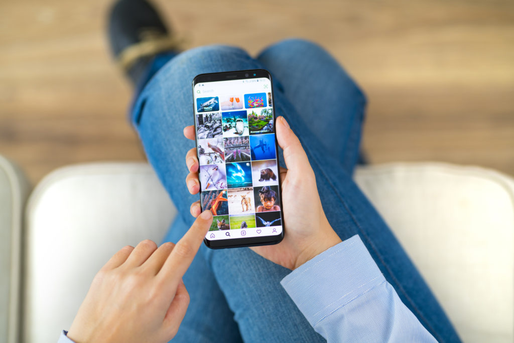 Uploading photos iPhone and Instagram to backup with Shutterfly